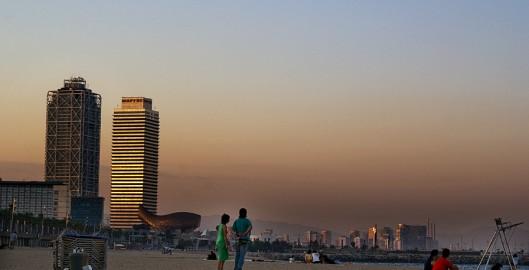 Atardecer en la Barceloneta por Kashna (Flickr)